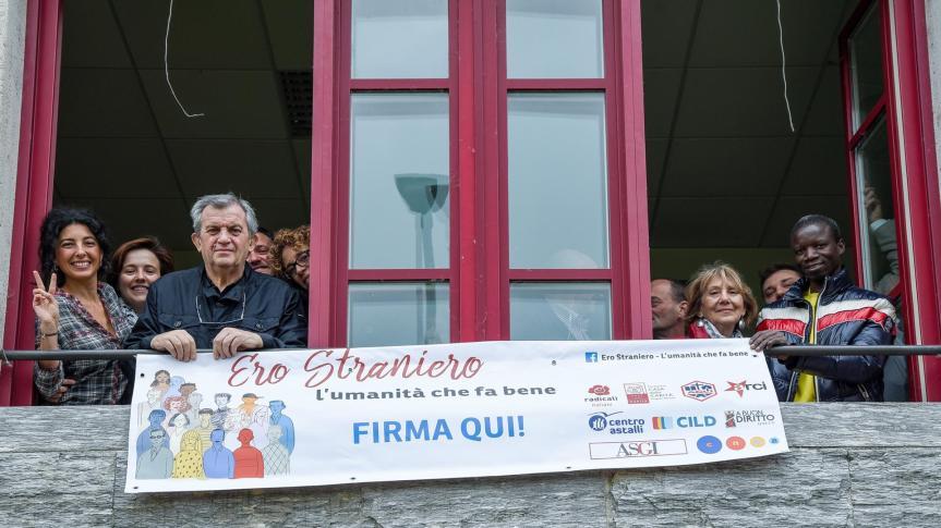 Campagna Ero Straniero – Raccolte 70 milafirme!